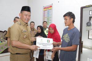 Fauzi Resmikan Program Bantuan Sosial RTLH Pringsewu