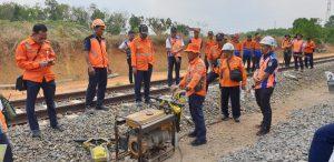Sulthon Hasanudin Jalan Kaki Cek Jalur Stasiun Kotabumi-Cempaka