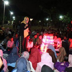 Satu Hari Bersama Anak, Ketua LKKS Lampung Riana Sari Arinal, Hadiri Malam Api Unggun