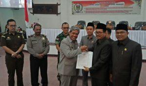 DPRD Lamteng Gelar Paripurna Penyampaian LPPA 2018, dan Pengesahan Raperda 04 tahun 2012 tentang Retribusi Jasa Umum