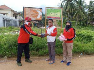Kwarda Pramuka Lampung Bagikan Masker dan Hidroponik di Huntara Way Muli Timur, Lampung Selatan
