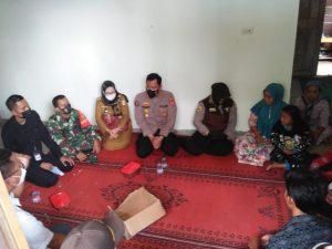 Polda Lampung Beri Pendampingan Psikologis Keluarga Korban Sriwijaya Air SJ182