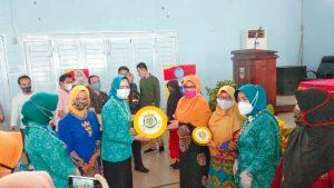 Ketua Umum DPW Lasqi Lampung Laksanakan Pembinaan dan Serahkan Rebana ke DPD Lasqi Pesibar
