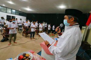 Kukuhkan Pengurus Kecamatan, Suhada : Masyarakat Menunggu Pengabdian Kita
