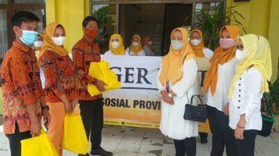 DWP Dinsos Lampung Laksanakan Program Siger, Bagikan Sembako untuk TKS PSLU Natar